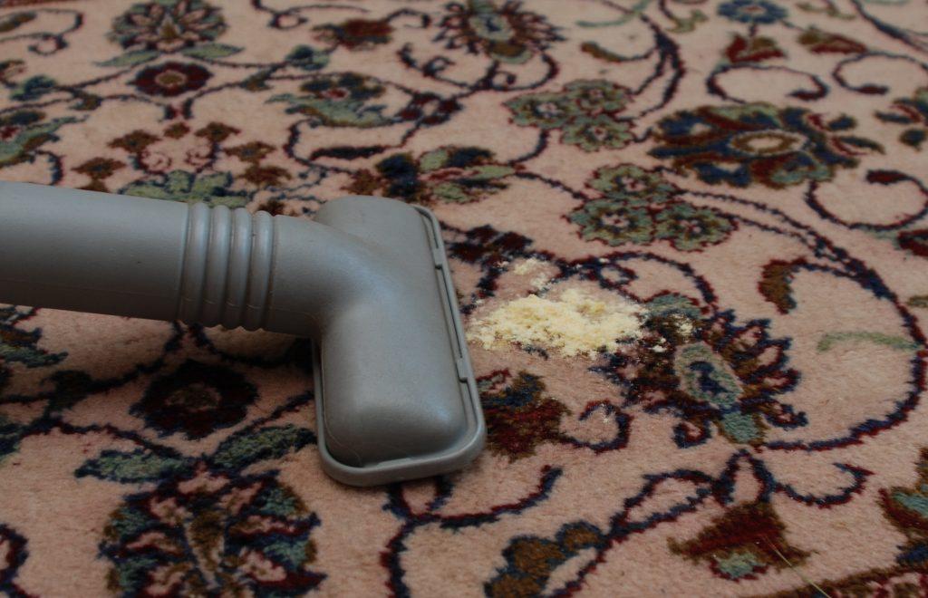 Ce trebuie sa stii despre curatarea covorului