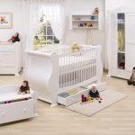 Camera nou-nascutului: cum o amenajezi?