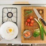 5 Trucuri pentru mai mult spatiu in bucatarie