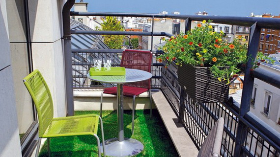 Idei pentru amenajarea balconului mic atria for Small balcony lighting ideas