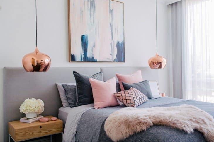 3 reguli pentru a decora patul din dormitor ca un designer